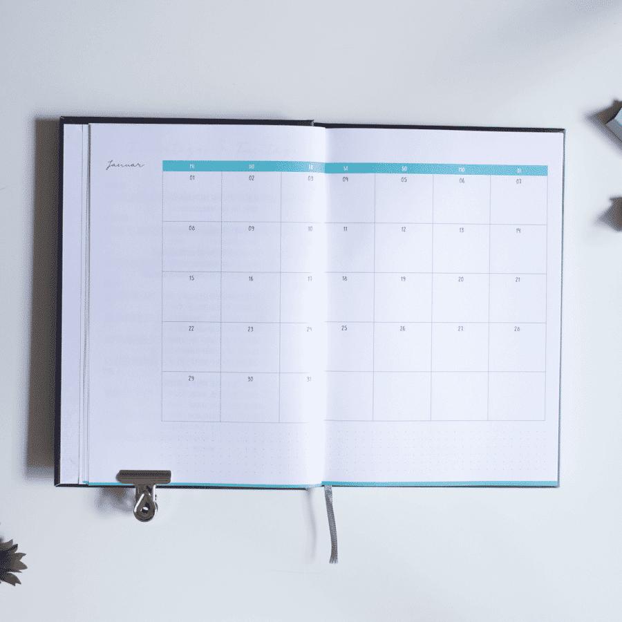 Minimal Black Kalender & Planer 2020 in A5 Wonderspot